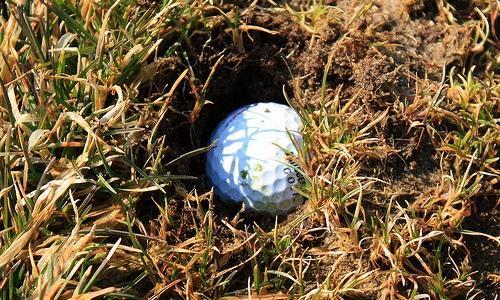 Regola 25, condizioni anormali del terreno, palla infossata…