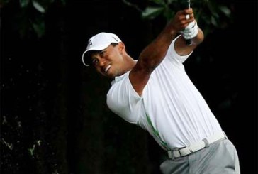 Tiger Woods torna a sorridere al Quicken Loans National
