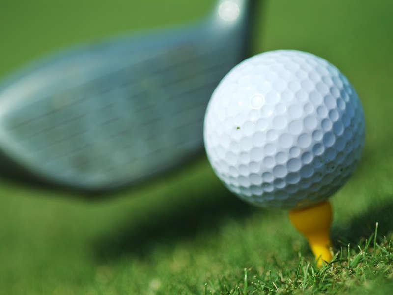 Regola 28 del Golf: come affrontare una palla ingiocabile